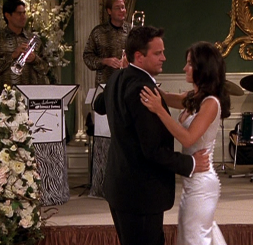 File:Monica and Chandler's First Dance as Husband and Wife.png