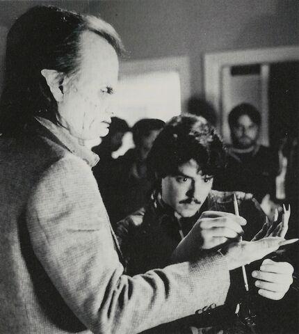 File:Fright Night 1985 Chris Sarandon and Steve Johnson with Pencil.jpg