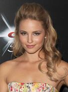 Dianna-agron-long-curly-half-updo-romantic