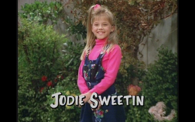 File:Season 4 Stephanie.png