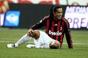 Ronaldinho-gaucho-milan.jpg