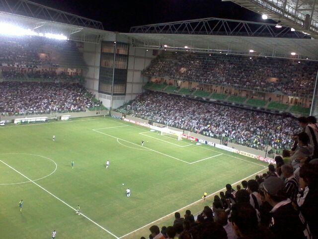 Arquivo:Arena Independência - Atlético x Fluminense.jpg