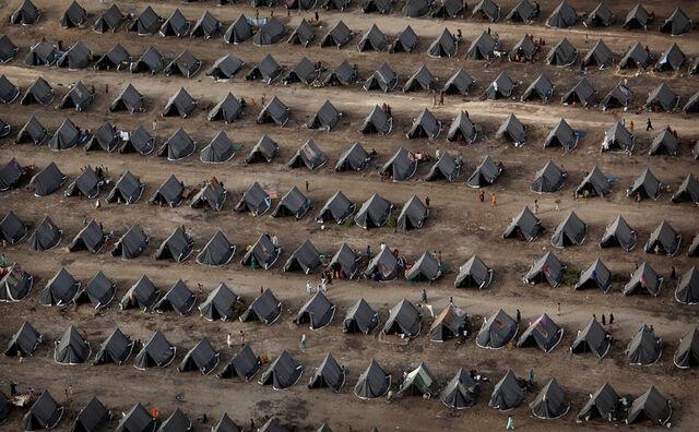 File:Refugees.jpg
