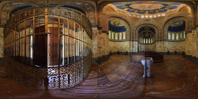 File:Berg-votivkapelle interior.jpg