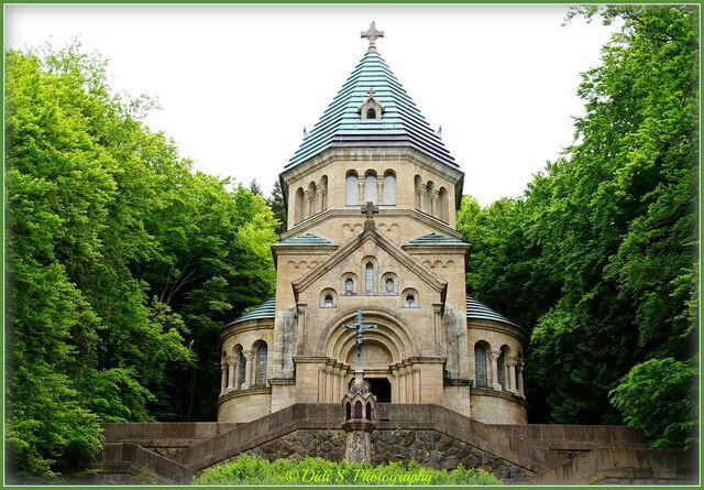 File:Starnberg chapel.jpg