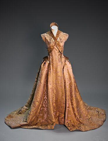 File:Sansa Tyrion wedding dress 1.jpg