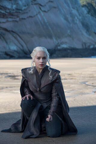 File:Season 7 Daenerys.jpg