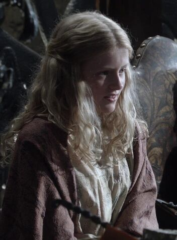 File:Myrcella Baratheon 1x02.jpg