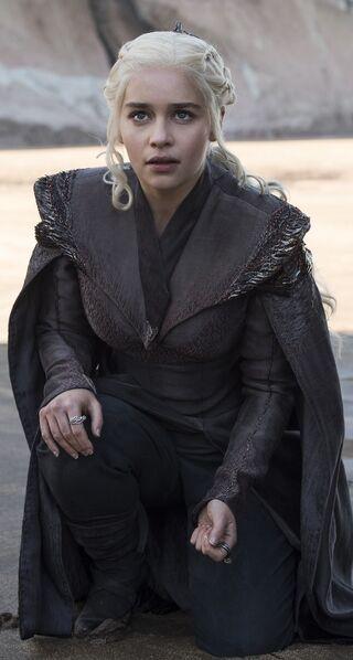 File:Daenerys on Dragonstone.jpg