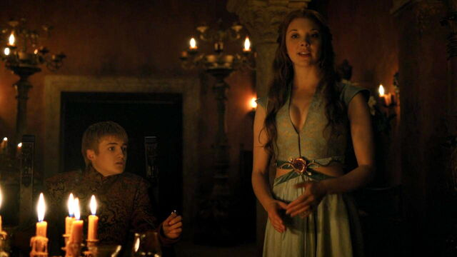File:Margaery admires metalwork in Cersei's gown.jpg