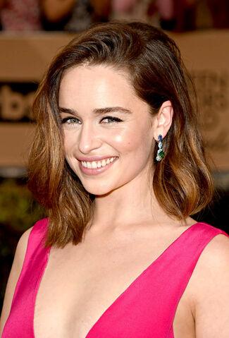 File:Emilia Clarke SAG awards 2016.jpg