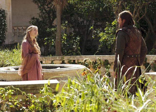 File:Cersei-win-or-die1.jpg