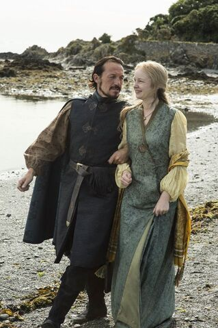 File:Bronn and Lollys.jpg