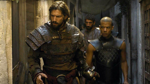 File:Daario-and-greyworm-s5e2.jpg