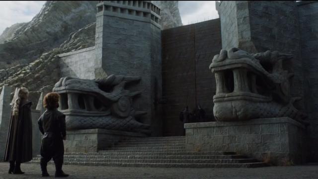 File:Dragonstone-gates.png