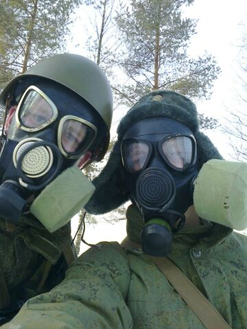 File:Russian Soldiers Wearing PMK-2 And PMK-1 Gas Masks.jpg