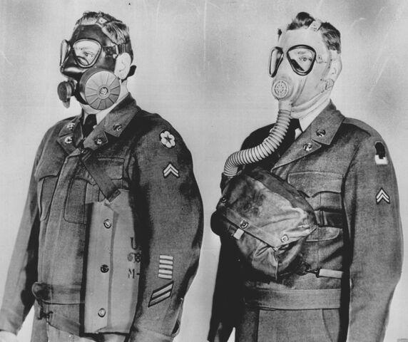 File:U.S. E48 & M4-10A1-6 Gas Masks.jpg