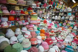 File:Lots-of-hats.jpg