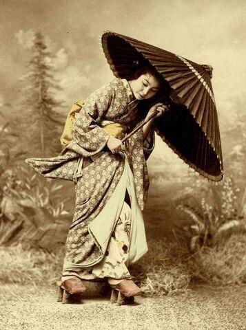 File:Vintage geisha umbrella.jpg