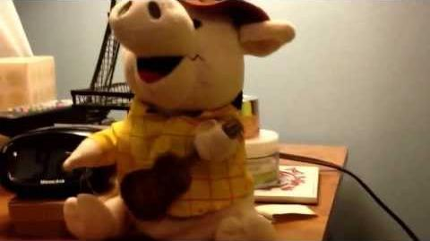Country Pigs Coy (gemmy item)