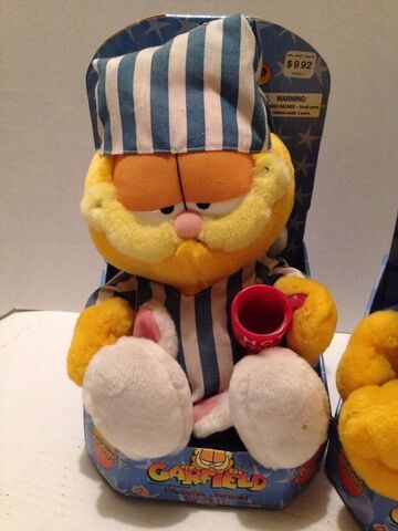 File:Pajama jammin' Garfield.jpg