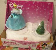 Christmas – Disney Princess Plush Friend Snow Globe Decoration