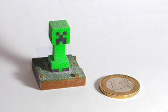 Tiny Creeper Statue
