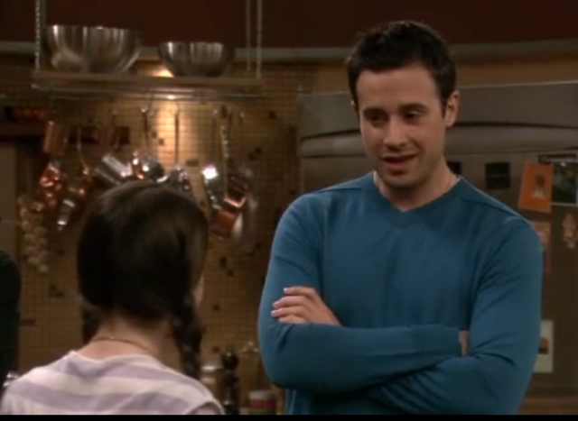 File:Ep 5x19 -Freddie has talk with Zoey.png