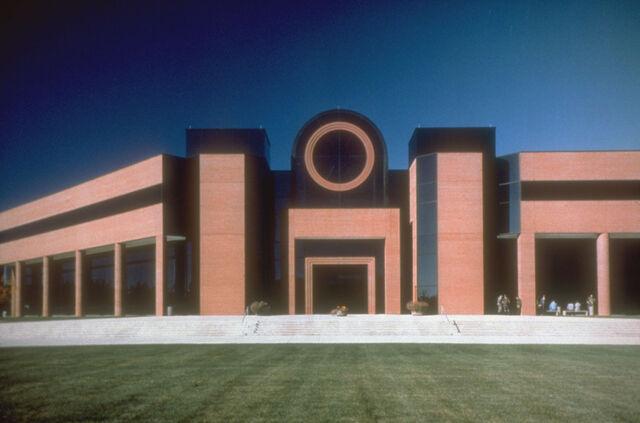 File:HQ building Fort Leonard Wood.jpg