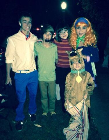 File:Girl Cast As Scooby Gang.jpg