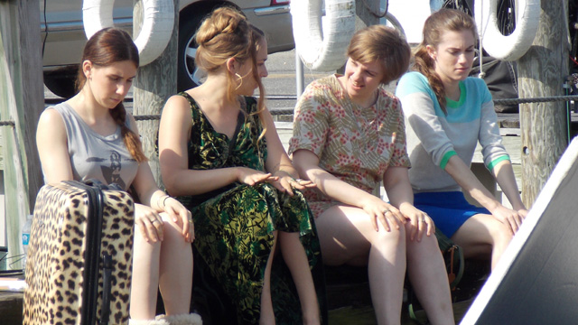 File:Girls-season-3-beach.jpg