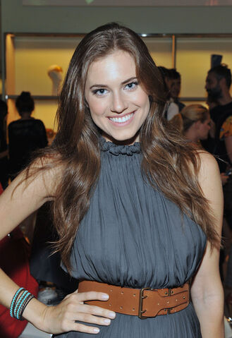 File:Allison Williams Girls.jpeg
