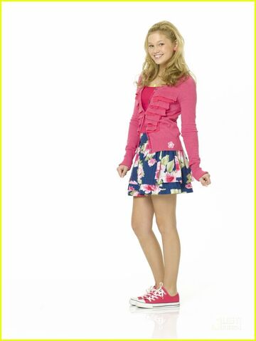 File:Olivia-Holt-Kim-kickin-it-23352034-526-700.jpg