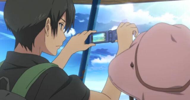 File:YukiTakingPhotos.jpg