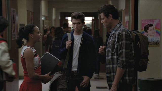 File:Glee-3x06-rory-finn-santana-cap-13 mid.jpg