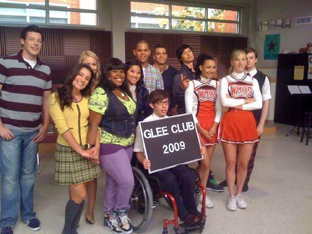 File:Glee2009.jpg