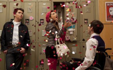 File:Glee-lead-image-heart323.jpg