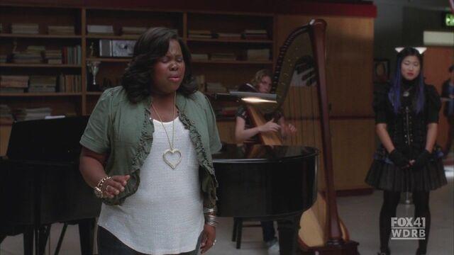 File:Glee203 200.jpg