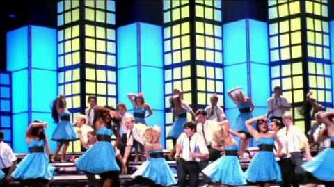 "Glee - Full Performance of ""Rehab"""