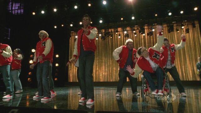 File:Glee211 0510.jpg