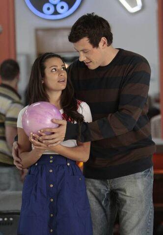 File:Glee-1x05-Rachel-Berry-Finn-Hudson-Promo-09 mid.jpg