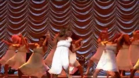 Glee Yeah! performance