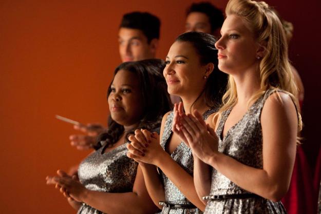 File:Glee-hold-on-to-sixteen1.jpg