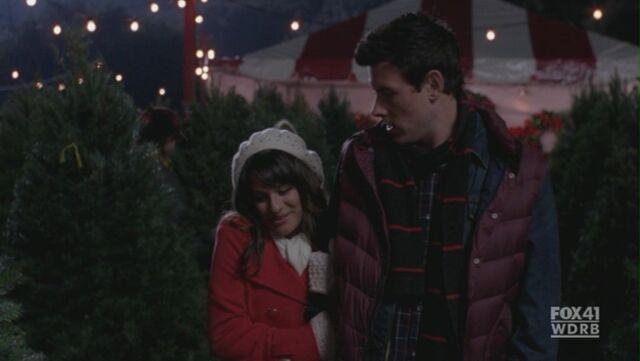 File:Glee210 484.jpg