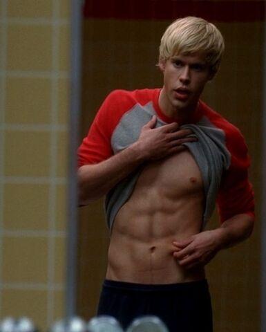 File:Glee-Shirtles-Guys-1.jpg