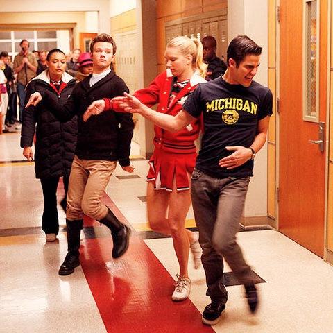 File:TV-Guide-Glee-Michael-Jackson-January-2012-1.jpg