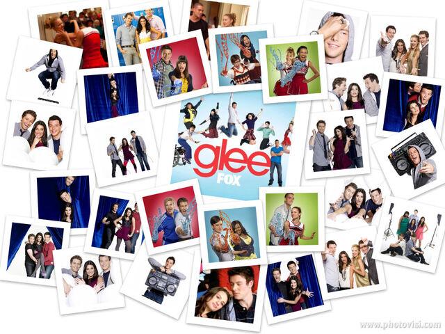 File:Glee Wallpaper 1.jpg