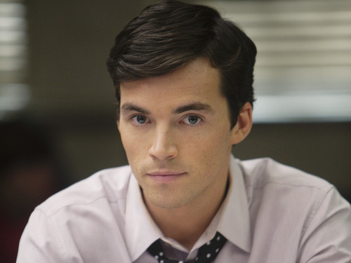 File:Ian Harding as Ashton.jpg