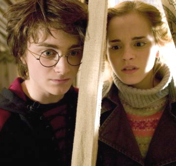 File:Harry-Hermione-against-harry-and-ginny-617916 540 358.jpg