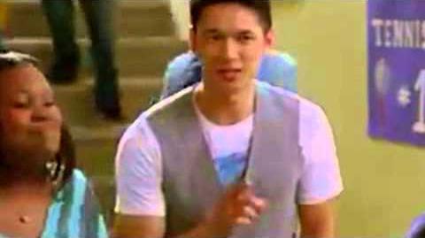 Glee - Mercedes and Mike Choose Jake Wonder-ful (Sneak Peek) HQ